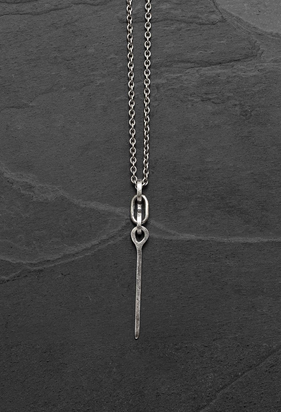 Linked spike necklace